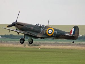 Spitfire IIA of the Battle of Britain Memorial Flight courtesy of Kogo